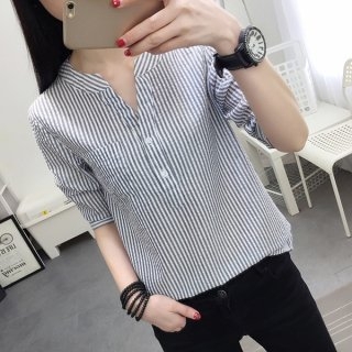 爽やかVネックシャツ シンプルデザイン カジュアル ガーリー 着心地が良い デート服 通勤服