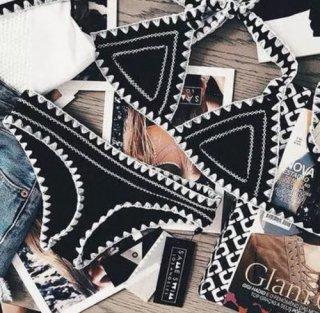 ブラック クロシェトリム 刺繍デザイン トライアングルビキニ ホルターネックビキニ インポート 通販