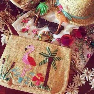 【大特価】ベージュ 刺繍 フラミンゴ パームツリー ストロークラッチバッグ ビーチ 通販