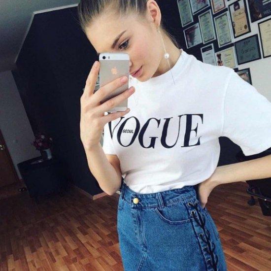 【大特価】3色展開 ブラック レッド ホワイト VOGUE フロントロゴ 半袖 Tシャツ カットソー トップス 通販