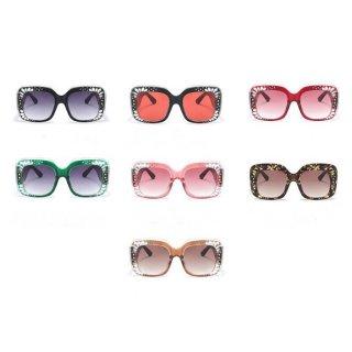【大特価】7色展開 ストライプラインデザイン グリーン レッド ラインストーン スクエアサングラス でかサングラス 通販