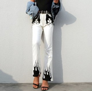 【大特価】ホワイトxブラック ファイヤーパターン フレーム フレアパンツ ワイドレッグパンツ フレアデニムパンツ ジーンズ ブーツカットパンツ ボトム 通販