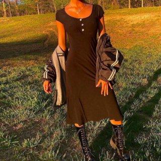 【大特価】ブラック フロントボタン スクープネック 半袖 ロングワンピース Tシャツワンピース 裾フレア タイトワンピース