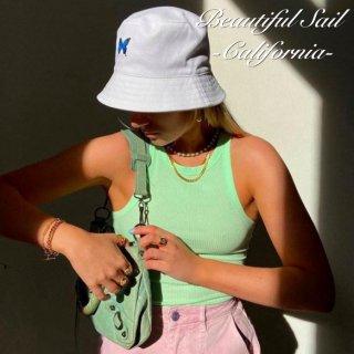 【大特価】ホワイトxブルー バタフライ 蝶々 フロント刺繍デザイン バケットハット バケハ 帽子 インポート 通販