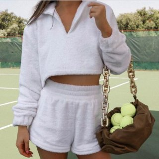 【大特価】ホワイト フリース ボア 襟付き クロップドトップス ポロシャツ ショートパンツ セットアップ インポート 通販