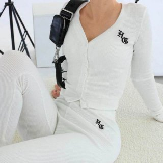 【大特価】ホワイト HG ロゴデザイン リブニットトップス カットソー カーディガン 長袖 レギンスパンツ セットアップ