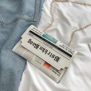 【大特価】ホワイト 総柄 ニュースペーパープリント 新聞柄 チェーンショルダーバッグ クラッチバッグ エンベロープバッグ