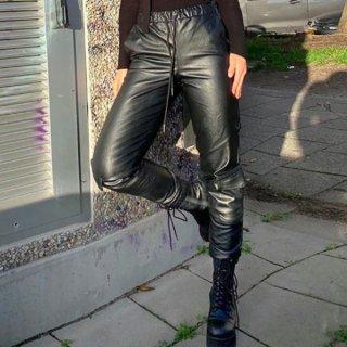 【大特価】ブラック フェイクレザー 合皮 トラックパンツ ジョガーパンツ ワークパンツ カーゴパンツ レザーパンツ ロングパンツ サイドポケット