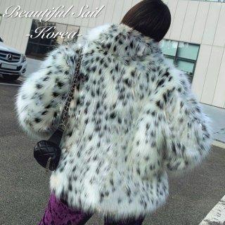 【大特価】ホワイト系マルチカラー レオパード柄 ひょう柄 アニマル柄 襟付き フェイクファージャケット インポート 通販