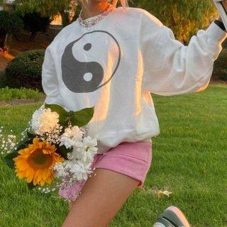 【大特価】ホワイト 陰陽 yin yang オーバーサイズ フロントプリント スウェット トレーナー プルオーバー トップス インポート 通販