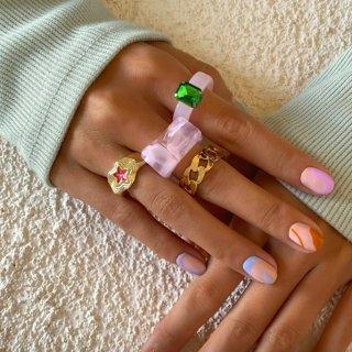 【大特価】ゴールド 4本セット ピンク アクリルリング 大ぶりリング 指輪 プラスチックリング クレイリング ビジュー リング ラインストーン リングセット