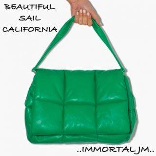 【大特価】5色展開 無地 シンプル キルティングバッグ 中綿 ショルダーバッグ 大容量バッグ パテッドバッグ ダウンバッグ インポート 通販
