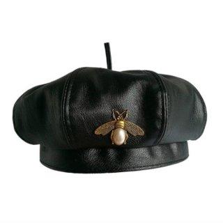 【大特価】ブラック フェイクレザー 合皮 ビンテージ風 BEE ミツバチ ブローチデザイン ベレー帽 ベレーハット ベレーキャップ 帽子 韓国