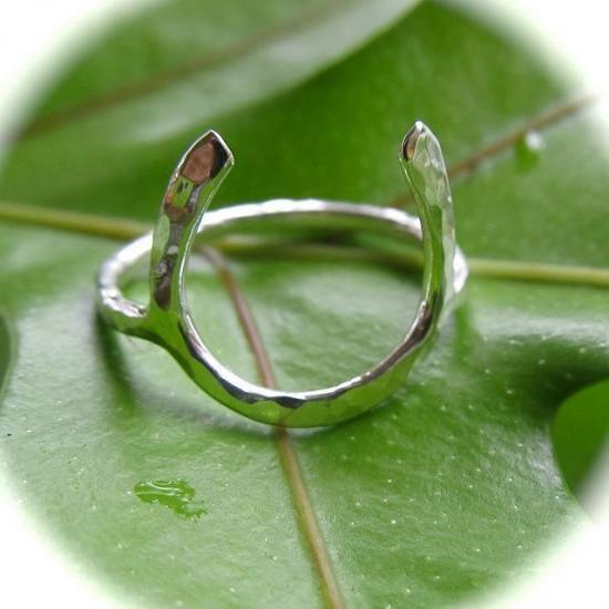 ホースシュー 華奢 リング 指輪 シンプル ハワイ HAWAII ビーチジュエリー
