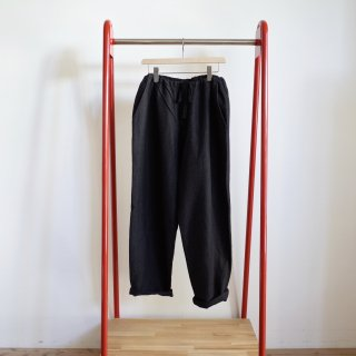 <img class='new_mark_img1' src='https://img.shop-pro.jp/img/new/icons13.gif' style='border:none;display:inline;margin:0px;padding:0px;width:auto;' />COMOLI WOOL&SILK DRAWSTRING PANTS-unisex/CHARCOAL