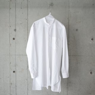 <img class='new_mark_img1' src='https://img.shop-pro.jp/img/new/icons13.gif' style='border:none;display:inline;margin:0px;padding:0px;width:auto;' />COMOLI BAND COLLAR SHIRT-unisex/ WHITE