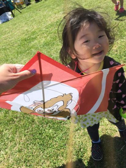 1歳11ヵ月・・・初めて凧揚げ大会に参加しました♪