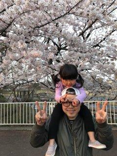 2歳♪ お花が好きなひなぴい(*´▽`*)花見に行って来ました!