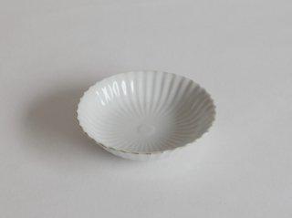 白磁渕鉄菊花浅鉢