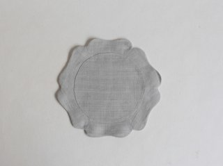 苧麻布輪花褓子器 小 淡