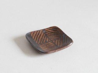 鉄絵角皿 小 A