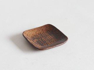 鉄絵角皿 小 C