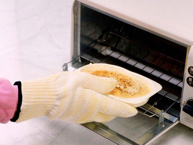 ※キッチンで熱くなったお皿やオーブンなどを使う料理に。パン焼き、ピザ焼きにも