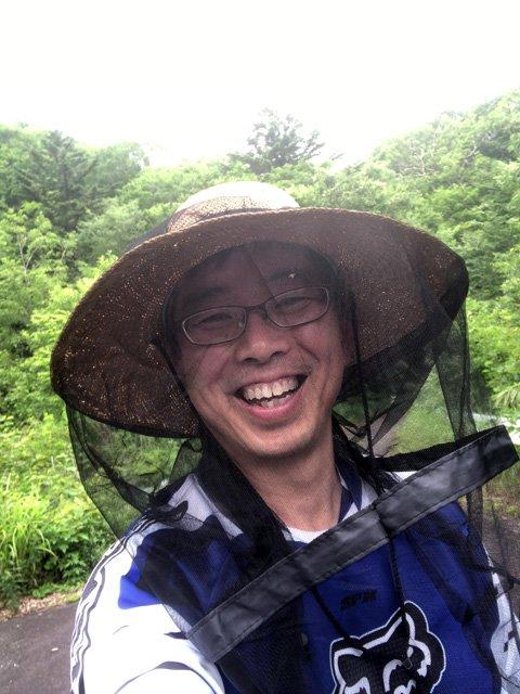 虫よけフェイスカバー(クモの巣ガード)ツバの大きな麦わら帽子でも大丈夫!