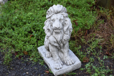 SITTING LION (LOOKING RIGHT) <img class='new_mark_img2' src='//img.shop-pro.jp/img/new/icons51.gif' style='border:none;display:inline;margin:0px;padding:0px;width:auto;' />