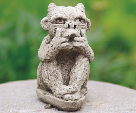 HORNED GARGOYLE <img class='new_mark_img2' src='//img.shop-pro.jp/img/new/icons51.gif' style='border:none;display:inline;margin:0px;padding:0px;width:auto;' />