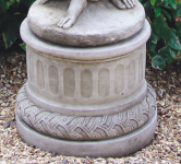 ROUND PEDESTAL <img class='new_mark_img2' src='//img.shop-pro.jp/img/new/icons51.gif' style='border:none;display:inline;margin:0px;padding:0px;width:auto;' />