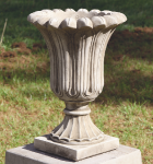 SMALL FLUTED URN <img class='new_mark_img2' src='//img.shop-pro.jp/img/new/icons51.gif' style='border:none;display:inline;margin:0px;padding:0px;width:auto;' />