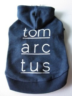 <img class='new_mark_img1' src='https://img.shop-pro.jp/img/new/icons25.gif' style='border:none;display:inline;margin:0px;padding:0px;width:auto;' />Tomarctus Logo Hoodie (S)-(L)size