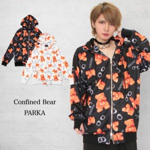 <img class='new_mark_img1' src='https://img.shop-pro.jp/img/new/icons1.gif' style='border:none;display:inline;margin:0px;padding:0px;width:auto;' />Confined Bear 総柄パーカー
