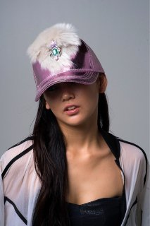 <img class='new_mark_img1' src='https://img.shop-pro.jp/img/new/icons44.gif' style='border:none;display:inline;margin:0px;padding:0px;width:auto;' />Fake fur metallic cap 〜pink〜(フェイクファー・メタリックキャップ ピンク)