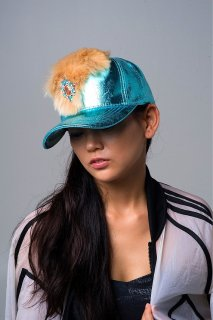 <img class='new_mark_img1' src='https://img.shop-pro.jp/img/new/icons44.gif' style='border:none;display:inline;margin:0px;padding:0px;width:auto;' />Fake fur metallic cap 〜blue〜(フェイクファー・メタリックキャップ ブルー)