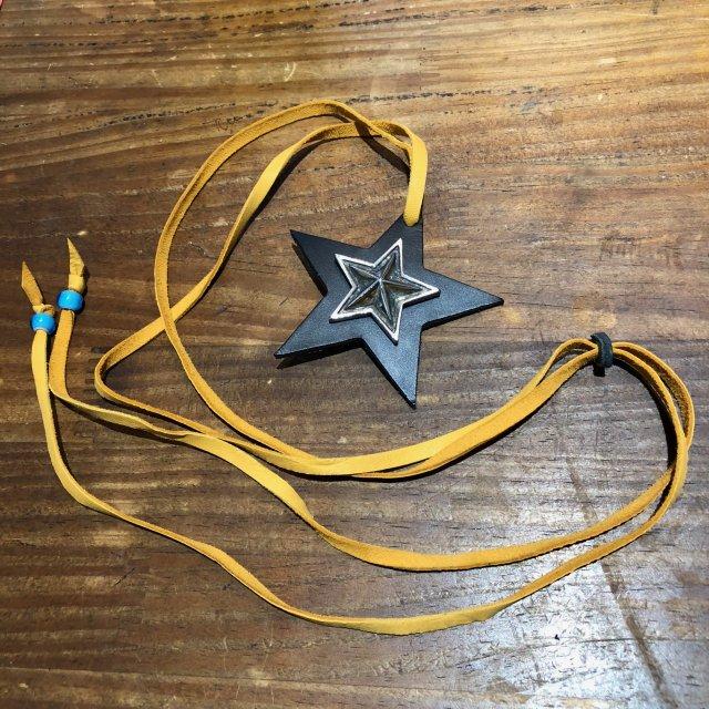 レザーペンダント【STAR】ブラック × キャメルコード × ターコイズビーズ