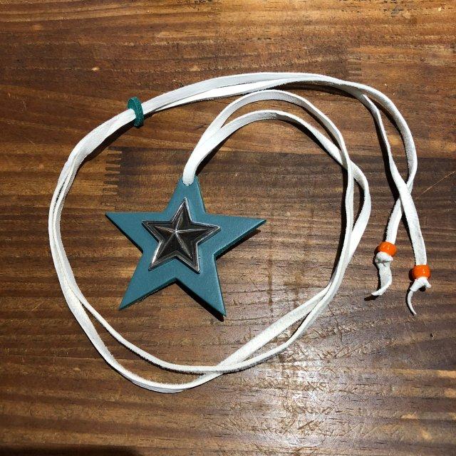 レザーペンダント【STAR】ターコイズ × ホワイトコード × オレンジビーズ