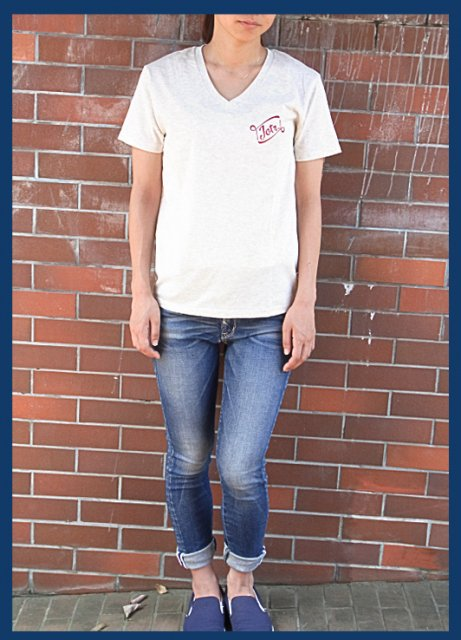<img class='new_mark_img1' src='https://img.shop-pro.jp/img/new/icons47.gif' style='border:none;display:inline;margin:0px;padding:0px;width:auto;' />Leaving Pieces. VNECK TEE / OATMEAL(Ladies&Mens)