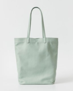 <img class='new_mark_img1' src='//img.shop-pro.jp/img/new/icons20.gif' style='border:none;display:inline;margin:0px;padding:0px;width:auto;' />LEATHER TOTE  シーグラスグリーン