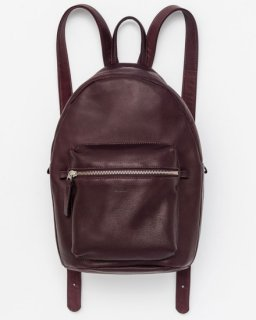 <img class='new_mark_img1' src='//img.shop-pro.jp/img/new/icons20.gif' style='border:none;display:inline;margin:0px;padding:0px;width:auto;' />LEATHER BACKPACK オックスブラッドブラウン(FW16)
