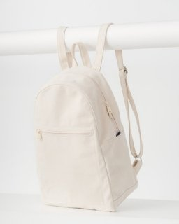 <img class='new_mark_img1' src='https://img.shop-pro.jp/img/new/icons20.gif' style='border:none;display:inline;margin:0px;padding:0px;width:auto;' />ZIP BACKPACK キャンバスホワイト