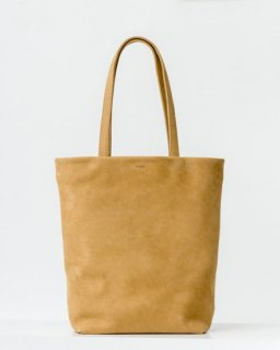 <img class='new_mark_img1' src='https://img.shop-pro.jp/img/new/icons20.gif' style='border:none;display:inline;margin:0px;padding:0px;width:auto;' />LEATHER TOTE  ハニー(ヌバック)(SS18)