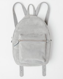 <img class='new_mark_img1' src='//img.shop-pro.jp/img/new/icons20.gif' style='border:none;display:inline;margin:0px;padding:0px;width:auto;' />LEATHER BACKPACK グレー(スエード)(SS16)