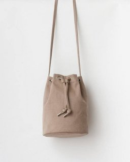 <img class='new_mark_img1' src='https://img.shop-pro.jp/img/new/icons20.gif' style='border:none;display:inline;margin:0px;padding:0px;width:auto;' />CANVAS DRAWSTRING PURSE グレージュ