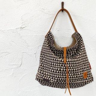kolmio<br>shoulder bag