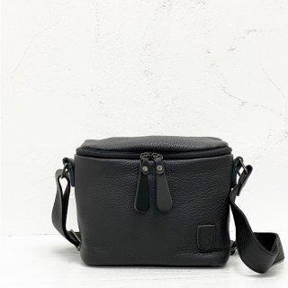 musta<br>vanity shoulder bag