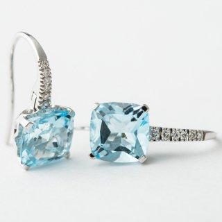 K18WG ブルートパーズ・ダイヤモンド・ピアス